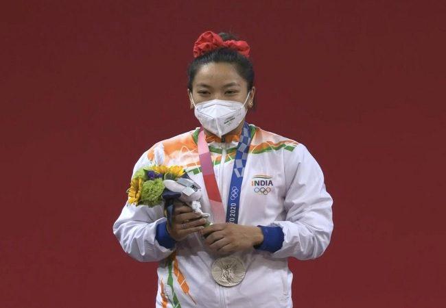 मीराबाई चानू को मिल सकता है स्वर्ण पदक, चीनी खिलाड़ी का होगा डोप टेस्ट