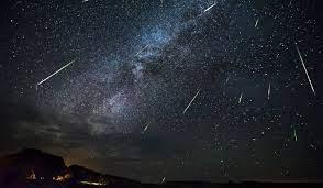 28 जुलाई की रात एक साथ दो उल्का बौछारें करेंगी आकाश को रोशन